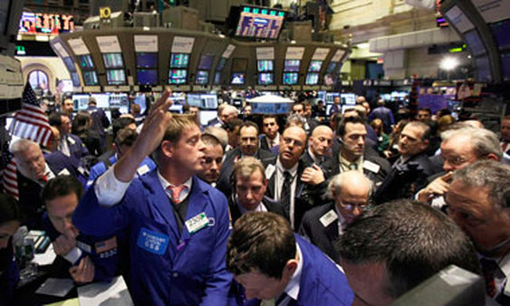 Traders on the NYSE floor. (Photo: AP)