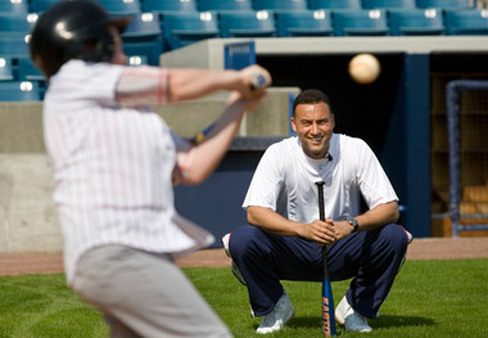 A foundation by Yankees' Derek Jeter, seen here at a clinic in Florida in 2007, promotes academic excellence. (Photo: AP)