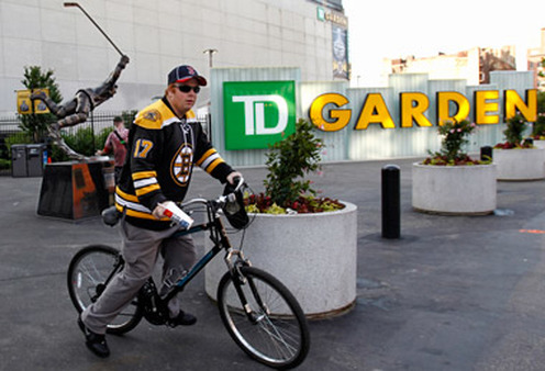 A Bruins fan outside TD Garden, where the Bruins and Celtics play. (Photo: AP)