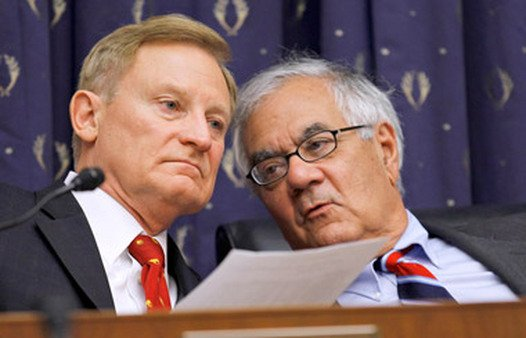 Rep. Spencer Bachus (left) with Rep. Barney Frank. Bachus on Wednesday introduced an SRO redraft. (Photo: AP)