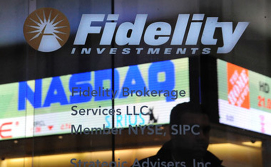 Reflection in a Fidelity Investments branch. (Photo: AP)