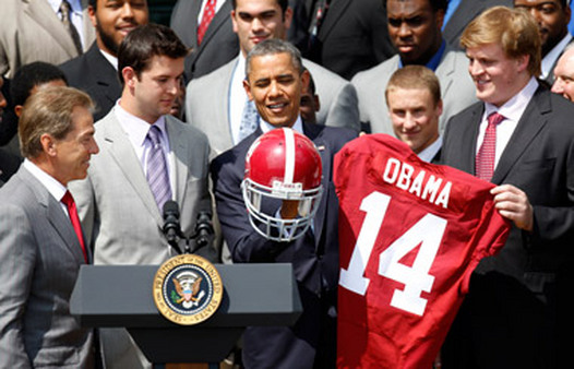 Alabama Coach Nick Saban, far left, and team visiting President Obama at the White House in April. (Photo: AP)