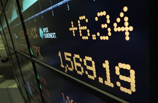 NYSE board shows S&P 500's closing number. (Photo: AP)