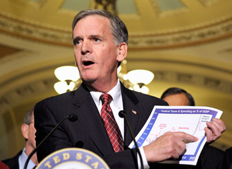Sen. Judd Gregg talking about tax cuts in 2010. (Photo: AP)