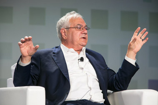 Former Rep. Barney Frank speaking at TDAI's Elite Advisor Summit in Florida.