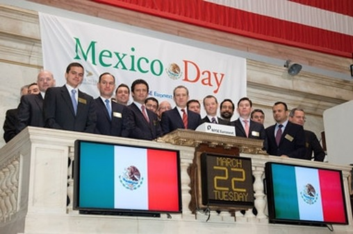 Mexican government and corporate officials rang the opening bell for Mexico Day at the NYSE.
