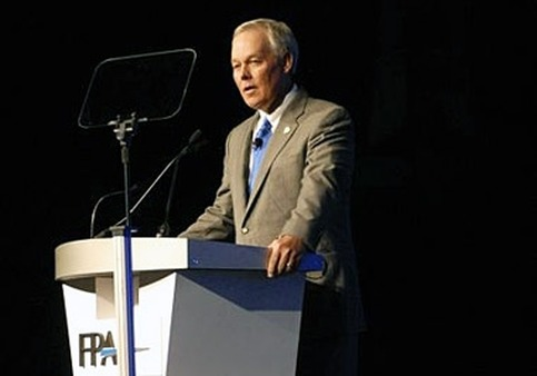 FPA Executive Director Marv Tuttle speaking at FPA Denver 2010.