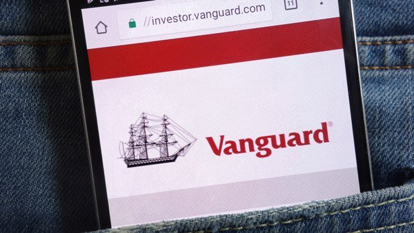 Vanguard to Offer 1,800 Commission-Free ETFs on its Platform