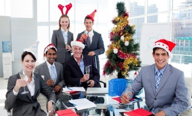 How Advisors Can Keep It Together During the Holidays