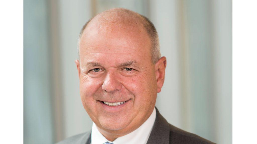 Cetera CEO Robert Moore.