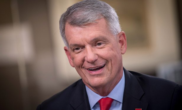 Wells Fargo Backs CEO Sloan Amid Rumors He's Being Replaced