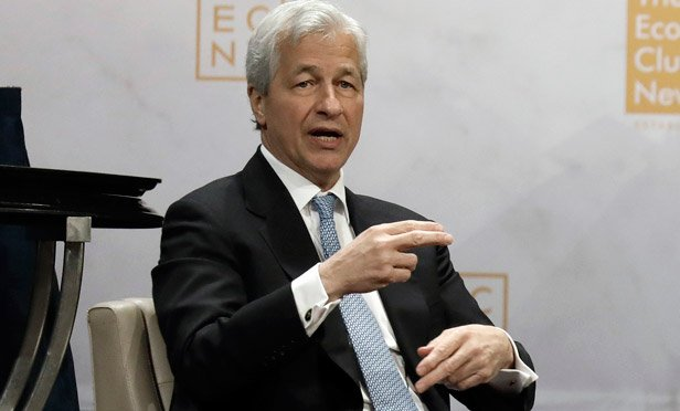 Dimon Calls Wells Fargo's Lack of CEO Plan 'Irresponsible'