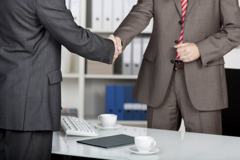 Raymond James, Stifel Nab $395M Wirehouse Reps: Recruiting Roundup