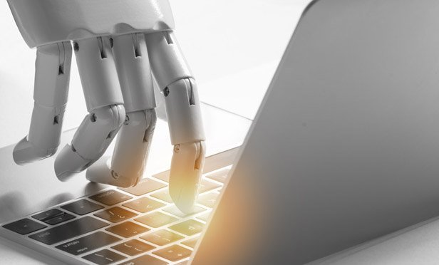 What Life Insurance Agents Should Know About AI and Digital Analytics