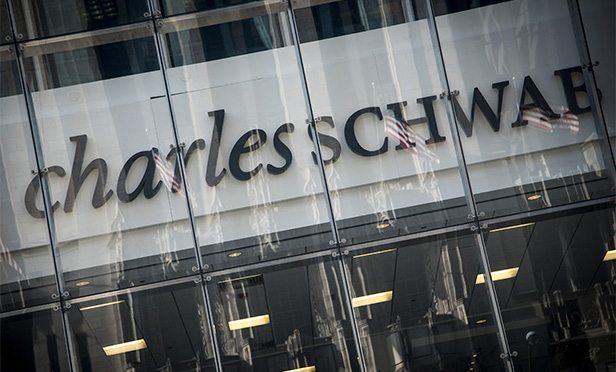 Schwab's CEO Clarifies Its Response to Reddit-Inspired Rally