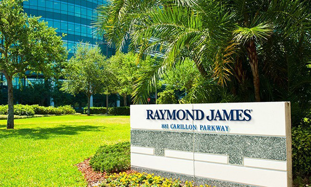 Raymond James Adds $1.1B Advisor Team From Wells Fargo