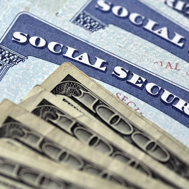 Social Security Sees Slowdown in Retiree Rolls Amid COVID Deaths