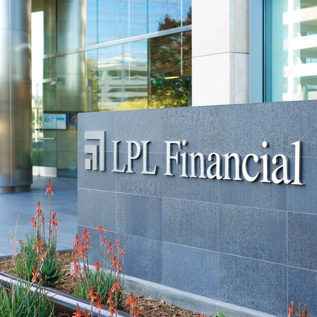 LPL's Advisor Headcount Set to Top 18,500