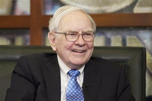Warren Buffett smiles during an interview with Liz Claman of the Fox Business Network in Omaha, Neb. (AP/Nati Harnik)