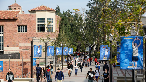 Students walking on the campus of UCLA. (Photo: AP)