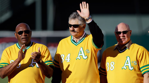 Rollie Fingers waving in 2012. (Photo: AP)