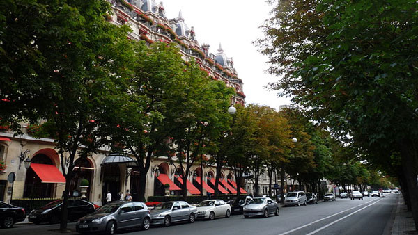 Avenue Montaigne in Paris, France. (Photo: Wikimedia Commons)