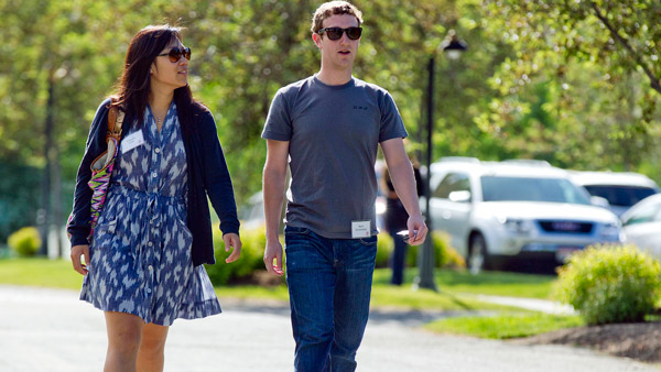 Mark Zuckerberg, and his wife, Priscilla Chan (Photo: AP)