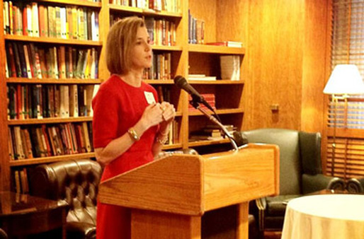 Sallie Krawcheck speaking at an 85 Broads gathering.