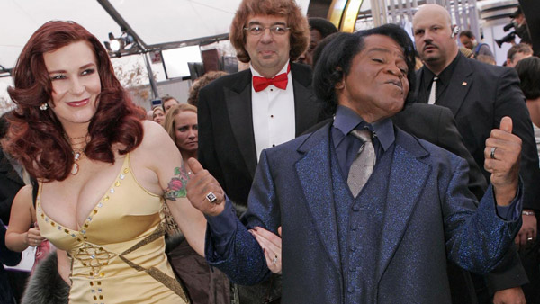 James Brown and his wife Tomi Rae Hynie in 2005. (Photo: AP)