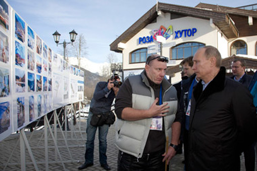 President Vladimir Putin of Russia, right, with billionaire Vladimir Potanin. (Photo: AP)