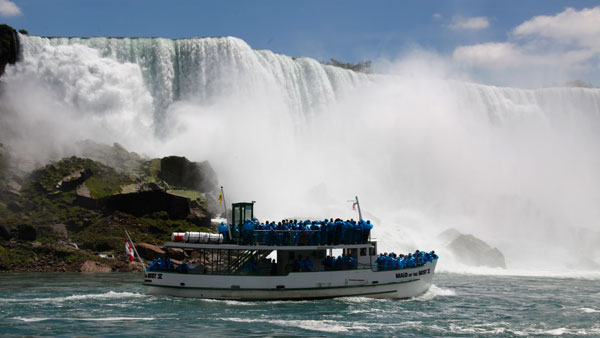 Maid of the Mist boat at the base of Niagara Falls. (Photo: AP)