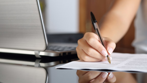 Moving client signatures from paper to iPads has more hurdles than advisors may imagine.