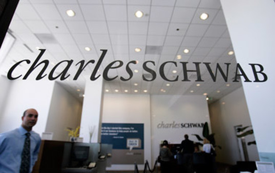 Charles Schwab Sign. (Photo: AP)