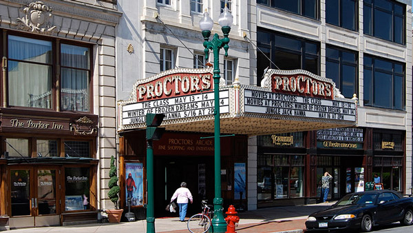 Proctor's Theatre on State Street in Schenectady. (Photo: Wikimedia Commons)