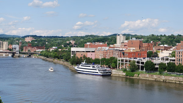 The Troy waterfront along the Hudson River. (Photo: Wikimedia Commons)