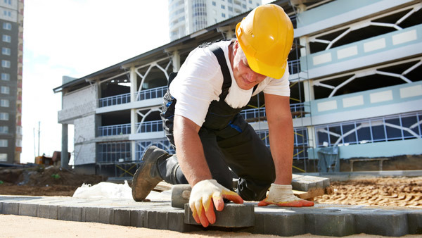Construction loans remain hard to secure, the Roundtable says.