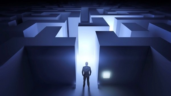 For the client, getting cash out of an IUL policy can feel like entering an administration maze. (Image: Thinkstock)
