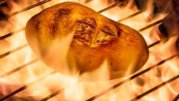 That thumping you hear might be health risk hot potatoes rolling off the health market plate. (Photo: Thinkstock)