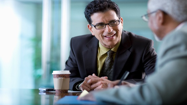 Business schmoozing (Photo: Thinkstock)