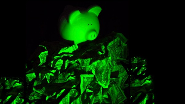 Fearful piggy bank (Image: Thinkstock)