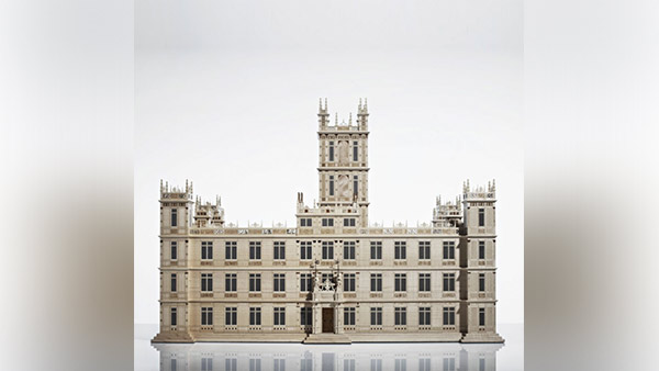 Highclere Castle jewelry box.
