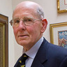 Gary Shilling Makes the Case for Low Inflation